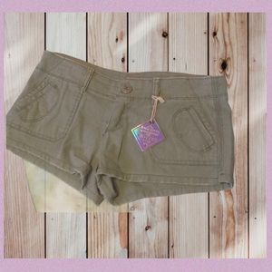 ALMOST FAMOUS OLIVE SHORTIE FIT SHORTS